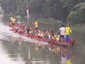 800px-Dragon_boat_-_Cantonese